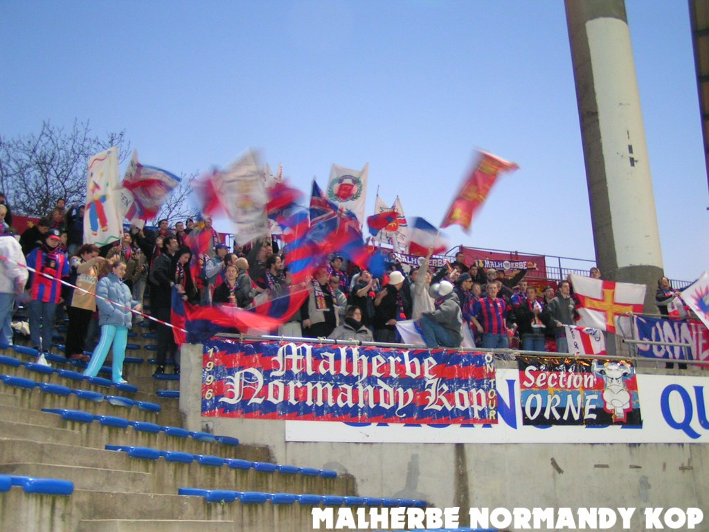Supporters caennais au stade du Moustoir